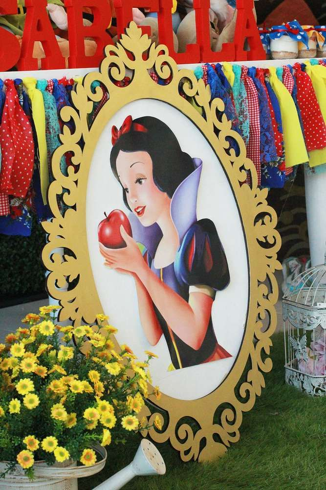 Snow White Birthday Party Ideas | Photo 1 of 12 | Catch My Party