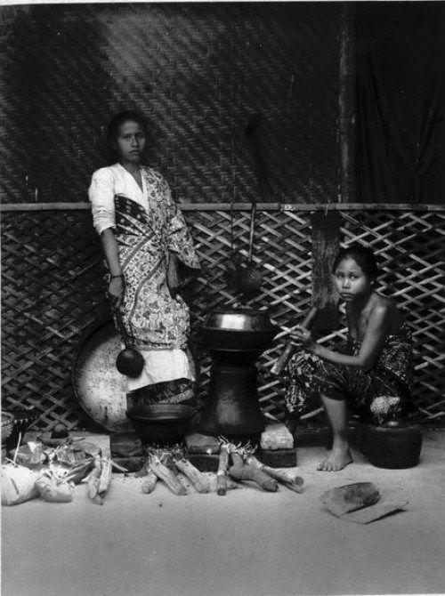 Hawu and sundanese womans, 1880.