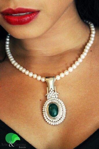 Perlas y esmeralda