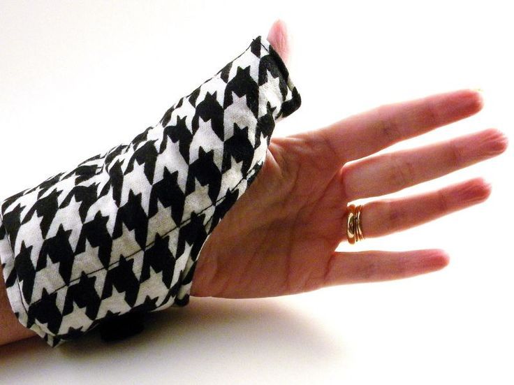 Thumb Wrap Wrist Heat Wraps, Hot Cold Packs for Carpal Tunnel, Tendonitis - Hot Cold Pack, Microwave Heat Pads, Heat Therapy Rice Bag from HotColdComfort