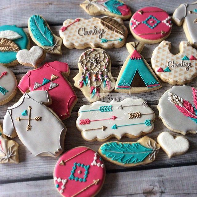Arrow and dream catcher cookies