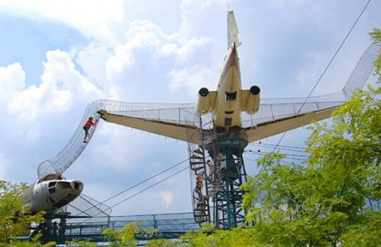 St. Louis City Museum's jungle gym made from found objects