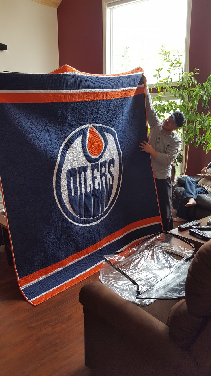 Oilers quilt made for Coby