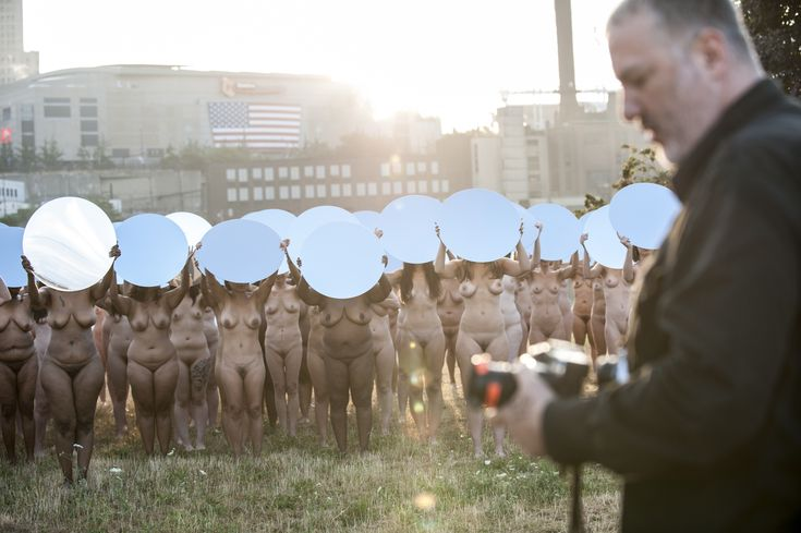 "Spencer Tunick shooting ""Everything She Says Means Everything"" (2016) in Cleveland"