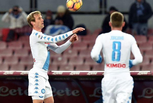 Napoli-Sampdoria 2-1: Tonelli rompe il ghiaccio del San Paolo - http://www.contra-ataque.it/2017/01/07/napoli-sampdoria-2-1-pagelle.html