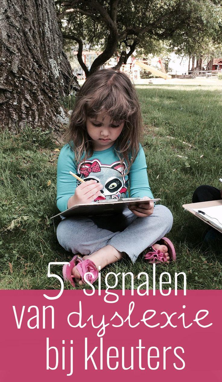 Je kunt in groep 1 of 2 eigenlijk nog geen dyslexie vaststellen. Er zijn wel een aantal risicosignalen waar je op kunt letten. Ik noem vijf signalen.