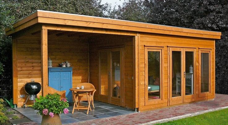 Tuinhuis / blokhut met plat dak en grote overkapping model Prima Victoria 420 x 240 cm / 44 mm van Lugarde