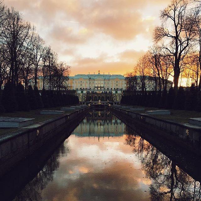 № 2 - 203 ♥  Photo by @viktoriya_shpringer Давненько мы не напоминали вам, как выглядит наш красавчик-дворец  Thanks for the pic to @viktoriya_shpringer  #деньпарков #parkday