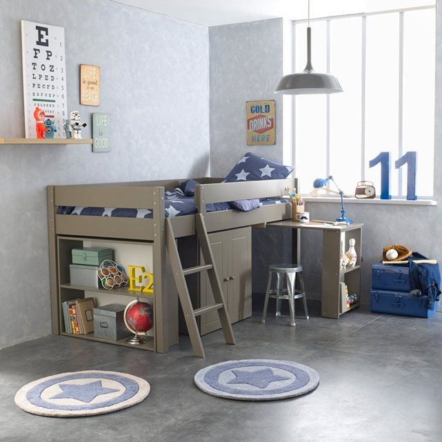 Le lit combiné et sommier pin massif ''tout-en-un'' Jon. Pour un gain de place dans les petits espaces : un lit avec couchage en hauteur permettant des rangements. Il vous facilite la vie et crée un vrai petit cocon dans la chambre de votre enfant !Descriptif du lit combiné et sommier pin massif, Jon :Couchage 90 x 190 cm.Lit : échelle réversible.Bureau : grand plan de travail (90 x 50 cm) coulissant avec système de butée.Lingère : 2 portes (avec une étagère) Etagère à glisser en bout de…