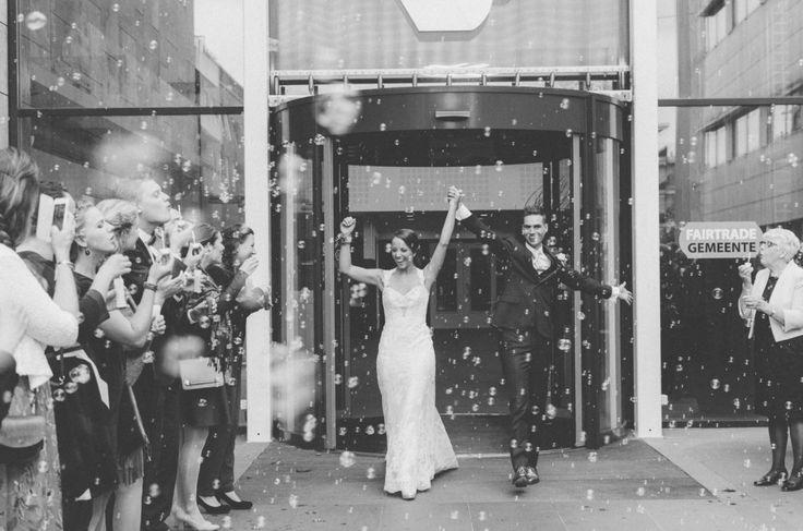 Wedding Photography Blowing Bubbles // Bellen blazen bruiloft foto