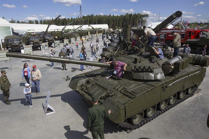 Patriot Park -  más de 5.000 hectáreas de terreno, de las que 3.500 hectáreas corresponden a una base militar, y 1.800 a la parte civil. El parque será capaz de albergar hasta 20.000 visitantes, que podrán visitar -entre muchas cosas- un museo dedicado a la aviación, otro museo dedicado a tanques, otro a armas acuáticas...