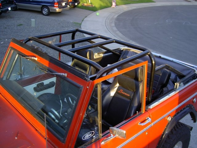 91 best images about classic bronco build on pinterest - Jeep cherokee exterior roll cage ...