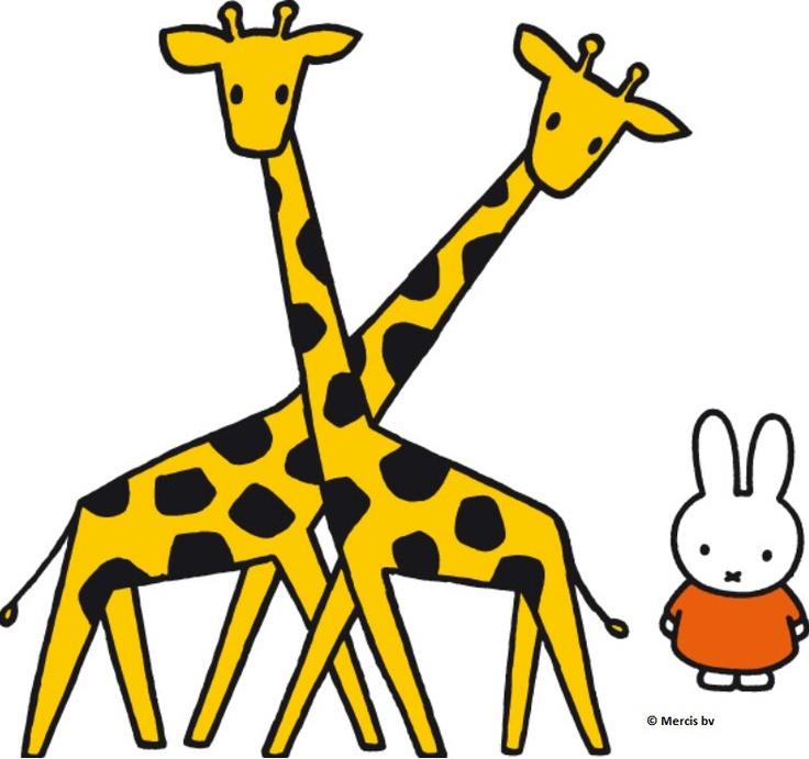 Nijntje bij de giraffen.