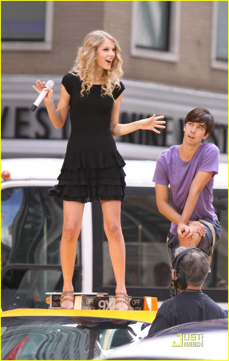 Manhattan Day: Taylor Swfit;