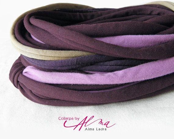 Collarpa sottile color melanzana  pronta da spedire di AlmaLadra
