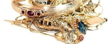 With the ever-increasing price gold is now considered as an investment property. People regularly buy gold and sell it later to earn high cash for gold. If you are looking for the best online buyer, please visit WeBuyGoldCanada.