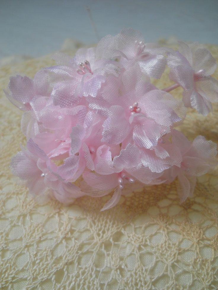 Roze corsage van Oud Loves Nieuw