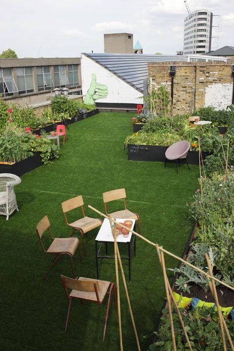 urban rooftop garden- like the fake grass!
