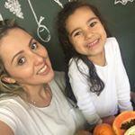"""Não pude ir no coquetel de lançamento no @galleriashopping em Campinas mas estou muiiiiiito feliz pelo convite feito pelas @maesamigas e estar ao lado de tantas outras blogueiras que admiro e sou amiga na Exposição de Fotos """"Mães Blogueiras Compartilhando Experiências Sinceras e Fortalecendo o Acolhimento Materno"""" em comemoração do Dia das Mães!    #MaternidadeColorida #ExpoMãesBlogueiras #DiaDasMães"""