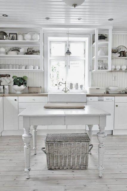 Pretty #shabby #white #kitchen