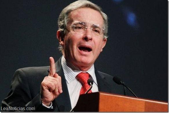 """Álvaro Uribe asegura tener pruebas de los vínculos del """"narcogeneral"""" Carvajal con las Farc - http://www.leanoticias.com/2014/08/05/alvaro-uribe-asegura-tener-pruebas-de-los-vinculos-del-narcogeneral-carvajal-con-las-farc/"""