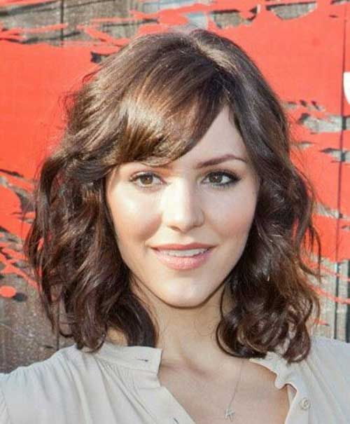haircuts for thick hair with bangs 25 best ideas about wavy medium hairstyles on 5693