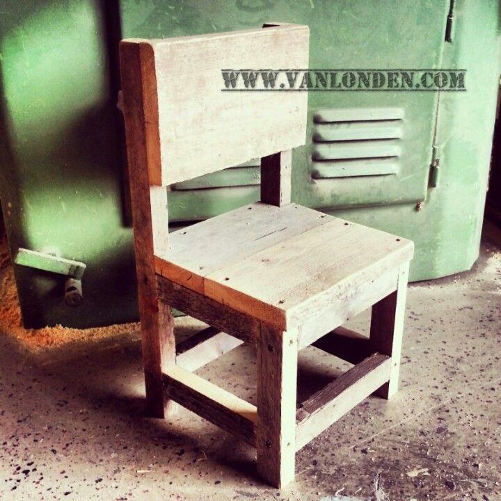 Peuter stoeltje van steigerhout