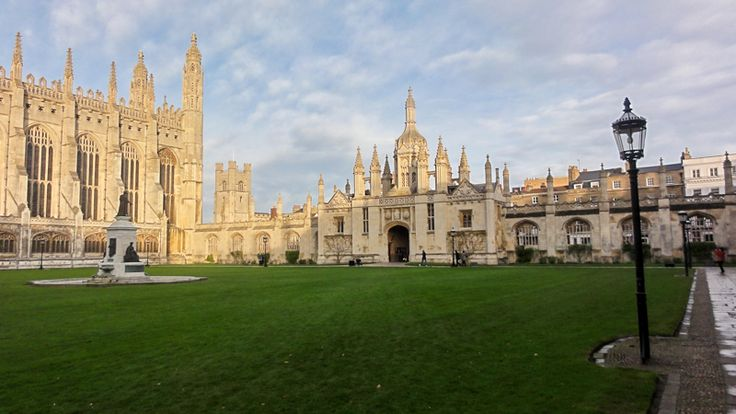 Beautiful Cambridge in the UK is a wonderful destination for a family trip.  #cambridge #cambridgefamily #motheringmatters #familytravel #greatbritain
