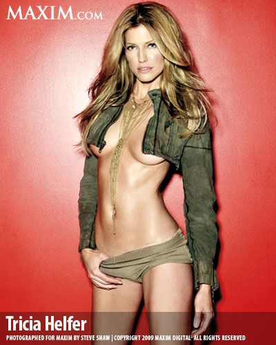 tricia-helfer-hot-but-naked