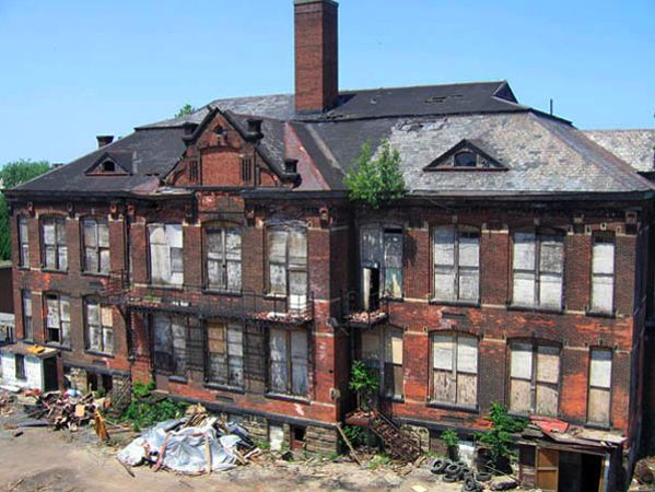 Abandoned Stanard School in Cleveland, OH