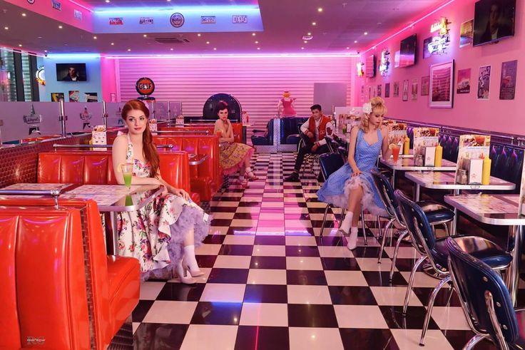 Welcome to the fabulous fifties !!! Crédit photo : Memphis Coffee La Seyne sur Mer