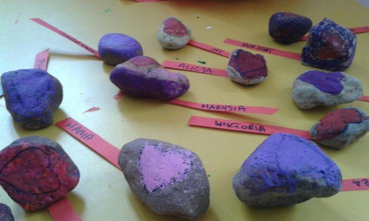Moje wychowywanie: Kamyk z napisem love