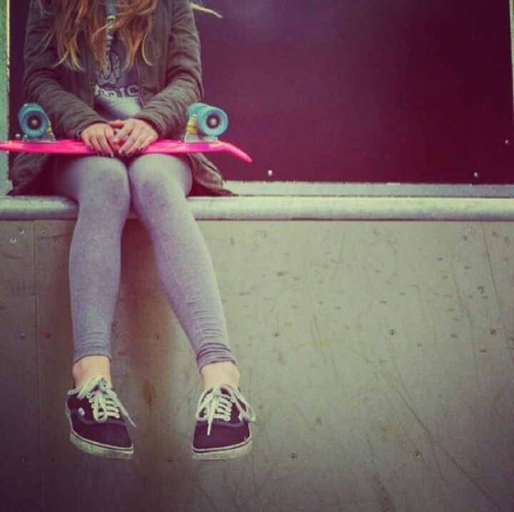 I would LOVE if the girl I like was into skateboarding..... but that's okay, idc if she can't ride a board.... all I want is her <3 I love you sweetheart <3 #skateboardingcouple #iloveyou