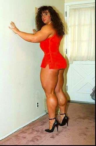 tall naked women bodybuilders