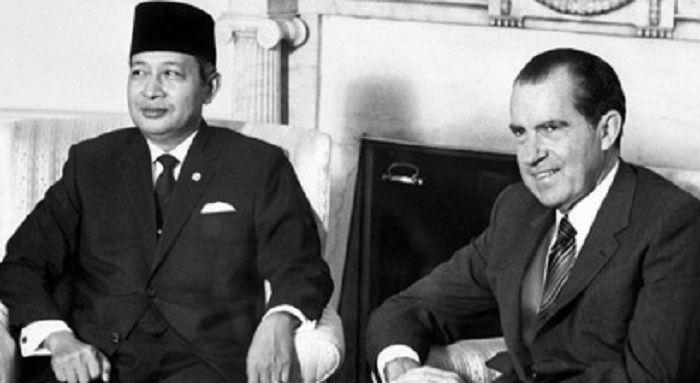 Dampak Perang Dingin Bagi Indonesia di Bidang Politik | Perang, Perang  dingin, Perang dunia 2