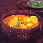 Een heerlijk recept: Nigella Lawson: Thaise curry met pompoen zalm en garnalen