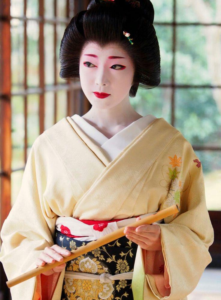 Geisha. 芸妓. Toshikana. Kyoto. Japan. January, 2017. #maiko #geiko