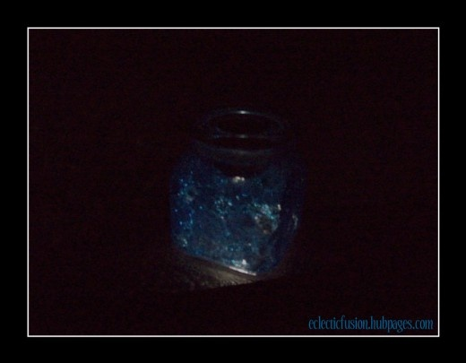 How to make a glitter solar jar! #crafts #solar #glitter #light #nightlightJar Crafts, Solar Glitter, Glitter Lights, Jars Crafts, Crafts Solar, Solar Jars, Kids Crafts, Glitter Solar, How To