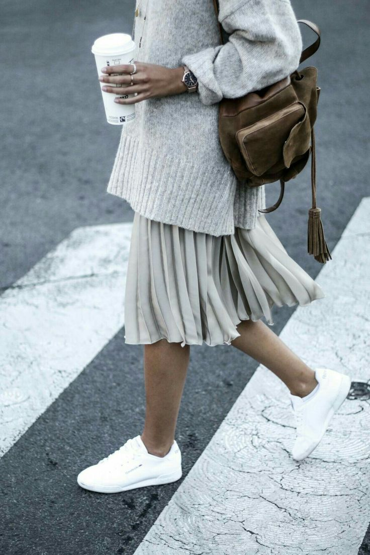 #sportymeetscoolstyle – Wearing white sneakers with an outfit and looking stylish.