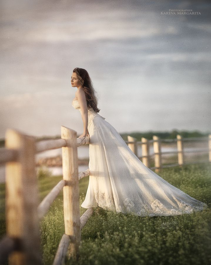 Can I put my wedding photos on my facebook profile?
