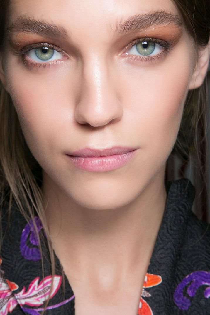 Copper eyeshadow: best looks for this summer