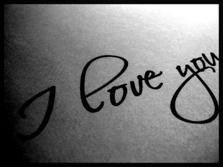 …Любовь — это когда ты болеешь, а он лезет тебя поцеловать,а ты говоришь: — я болею, заразишься, … а он в ответ: — ты думаешь меня это останавливает…