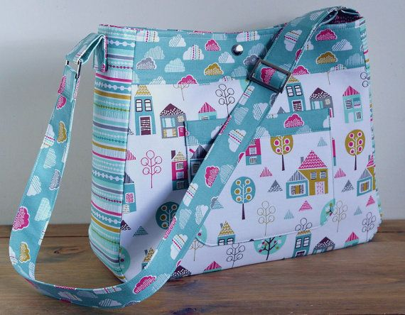 Petite Street Diaper Bag – PDF Sewing Pattern by Susie D Designs + Attaching an Adjustable Strap #sewing