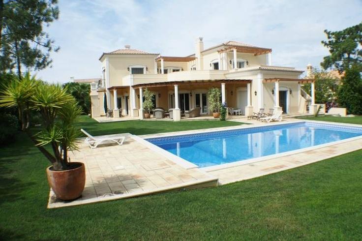 Luxueuze villa met zwembad aan de golfbanen van Quinta do Lago, ideaal voor gezinnen met kinderen
