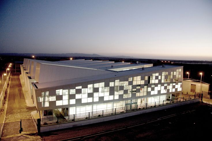 Paykar Bonyan Panel Factory / ARAD (Architectural Research And Design)