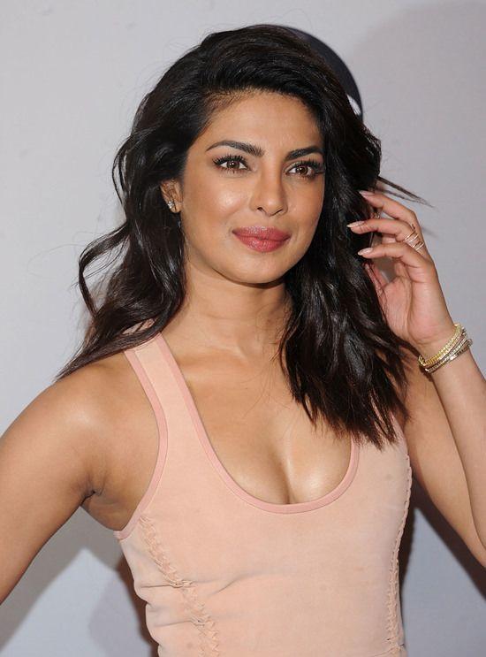 Priyanka-Chopra-2016-ABC-Upfront-Red-Carpet-Fashion-Dion-Lee-Tom-Lorenzo-Site (3)                                                                                                                                                                                 More
