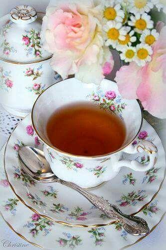 Floral design tea cup/set