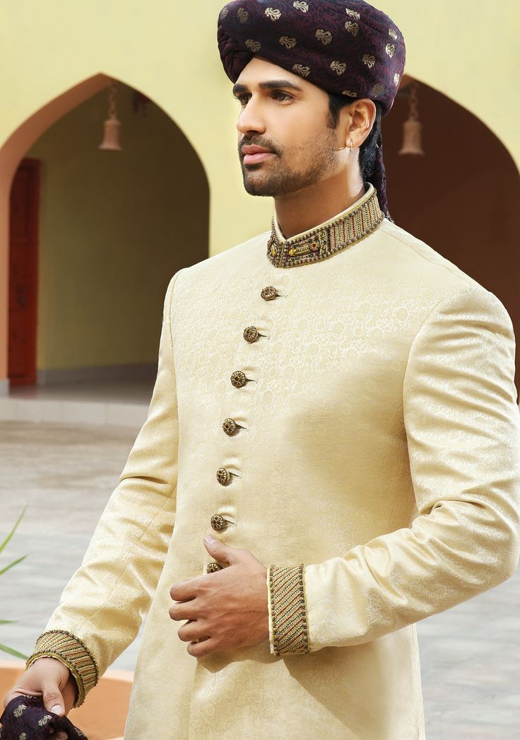 Light Gold Jamawar Straight Cut