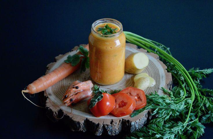 Recette bébé purée de carotte et tomate aux crevettes coco curry coriandre (Dès 12 mois). Un régal pour les papilles de bébé ! Un petit pot maison pleine de saveurs !