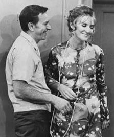 Jack Klugman and Brett Somers in an episode of The Odd Couple